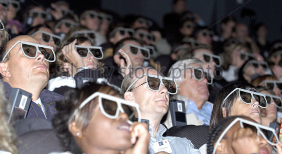 -people-watching-a-3d-film-wearing-3d-glasses--aak58b