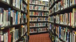 books-2562331_1920
